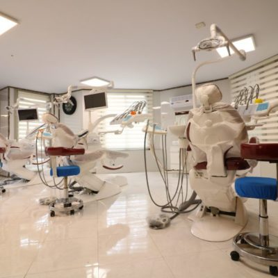 بهترین دندانپزشکی با قیمت مناسب