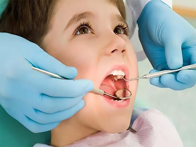 درمان دندان کودکان با بی حسی